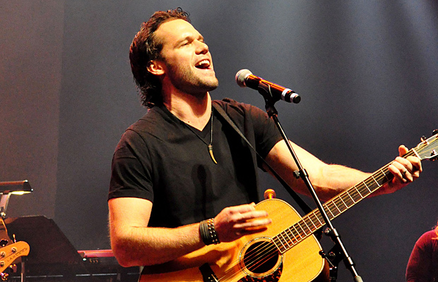 Chad Brownlee 1001