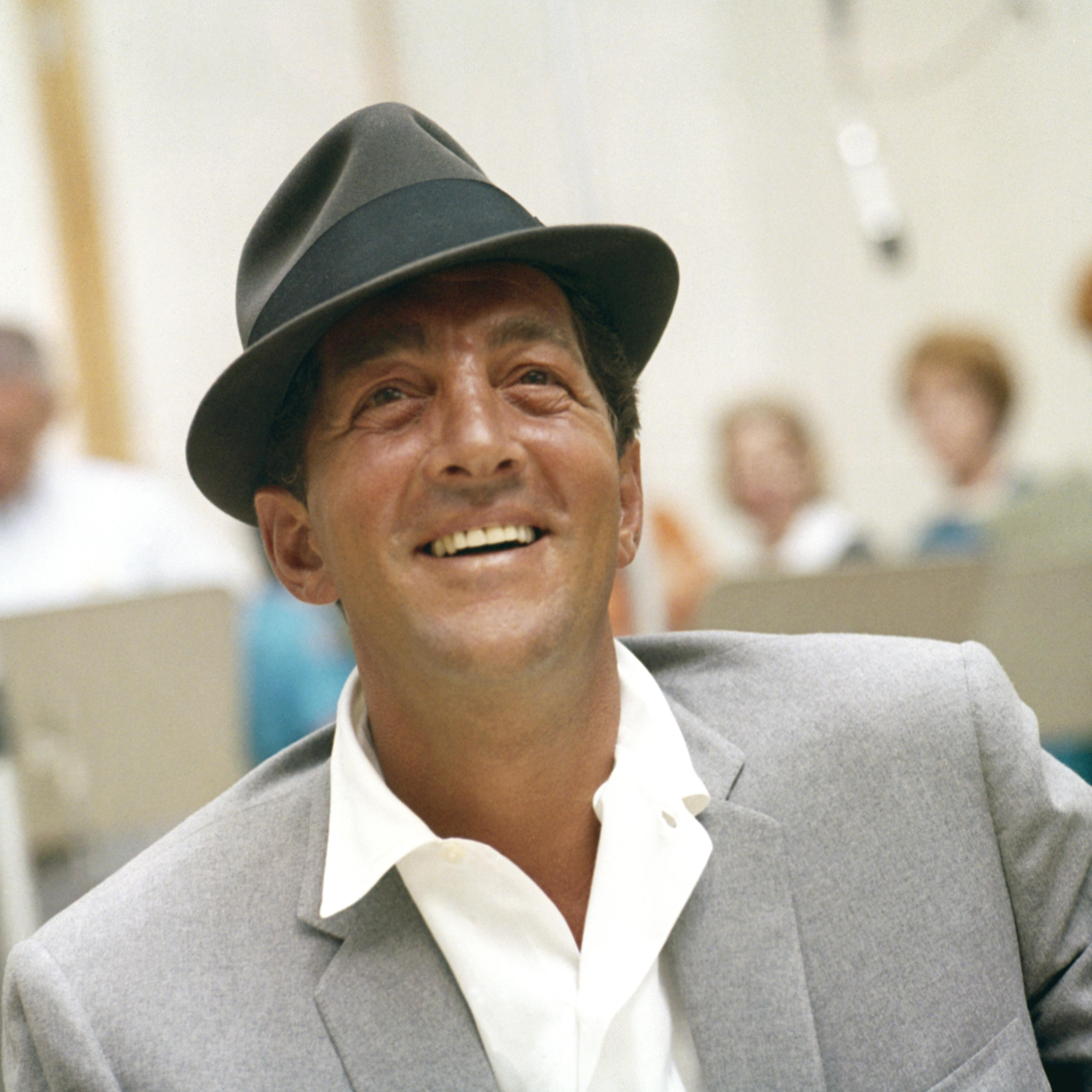 DEAN MARTIN - HOLIDAY SONGS 1000