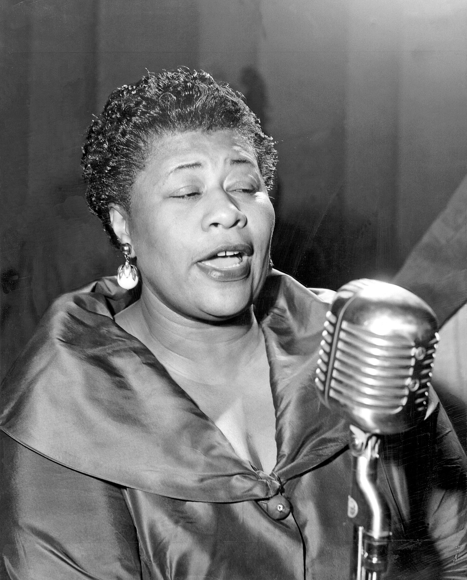 ELLA FITZGERALD - HOLIDAY SONGS 1000
