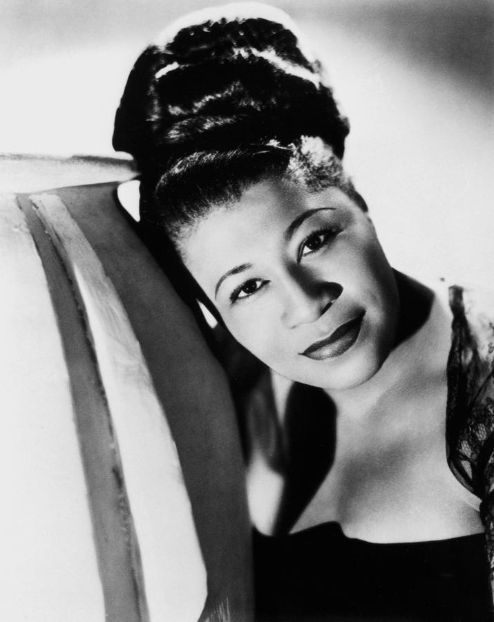 ELLA FITZGERALD - HOLIDAY SONGS 1003