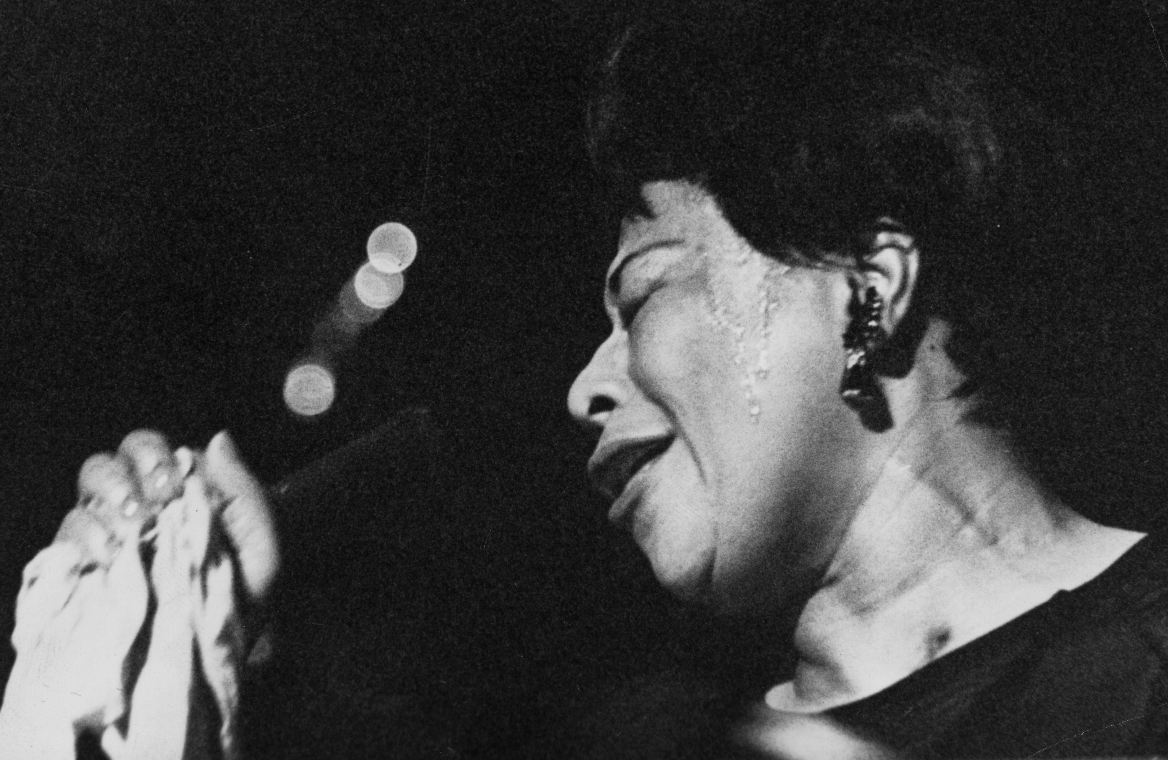 ELLA FITZGERALD - HOLIDAY SONGS 1004
