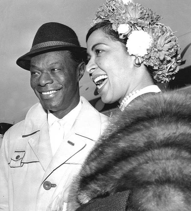 NAT KING COLE HOLIDAY SONGS 1001