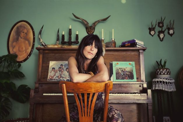 Nicki Bluhm & The Gramblers 1007