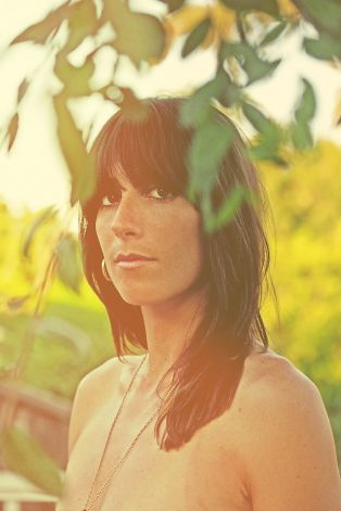 Nicki Bluhm & The Gramblers 1008