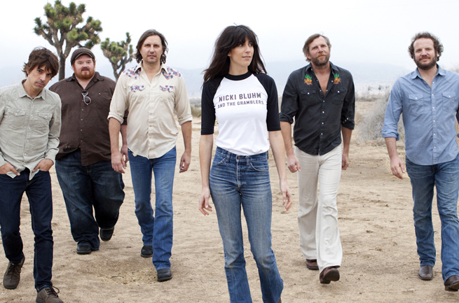 Nicki Bluhm & The Gramblers 1009