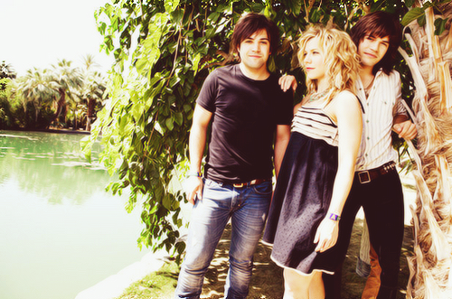 The Band Perry 1008