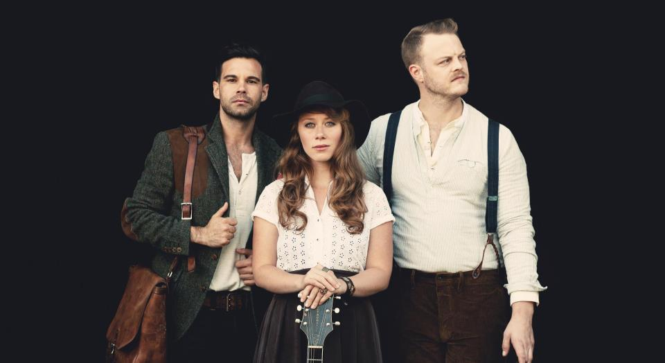 THE LONE BELLOW 1004