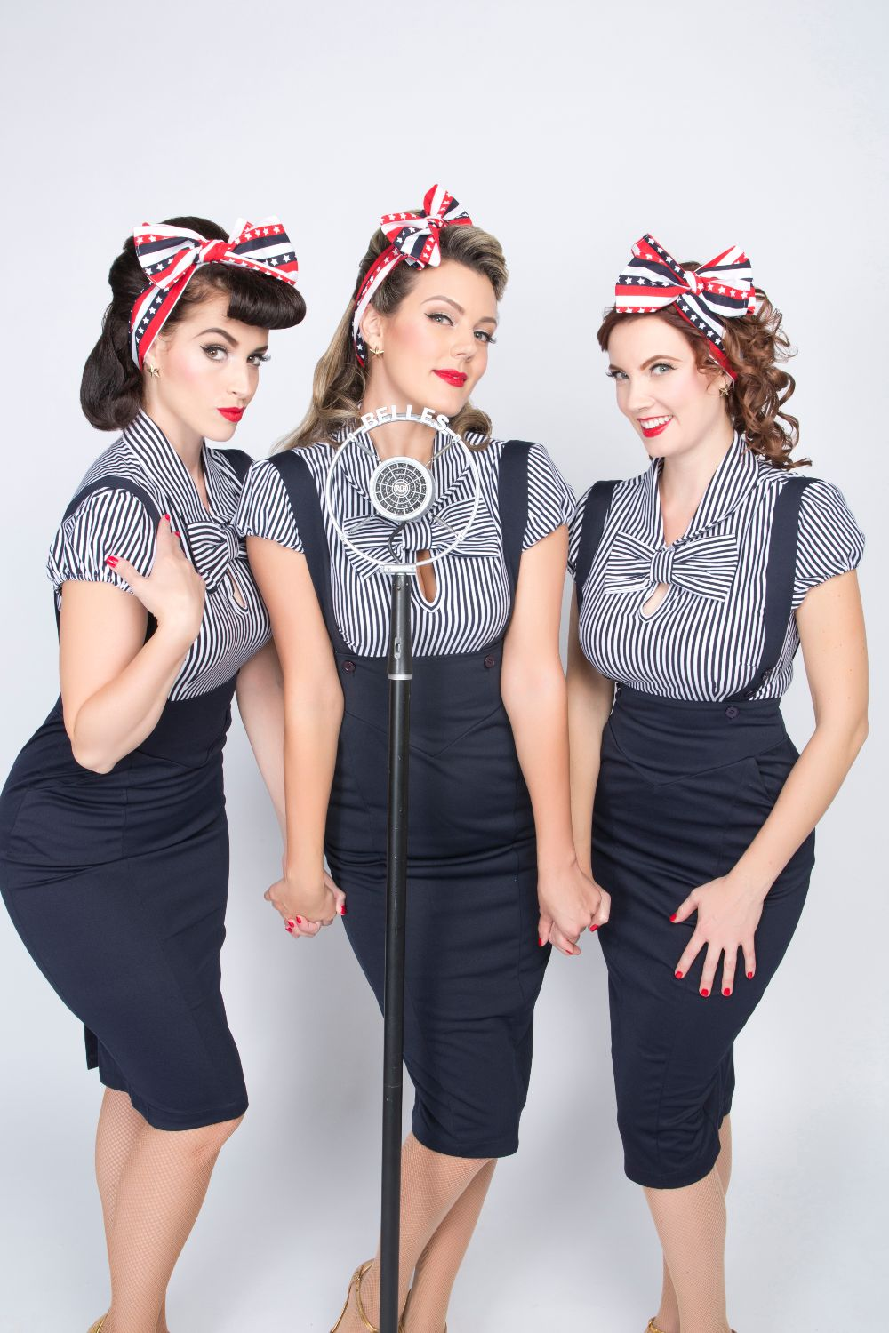 THE PUPPINI SISTERS HOLIDAY SONGS 1001