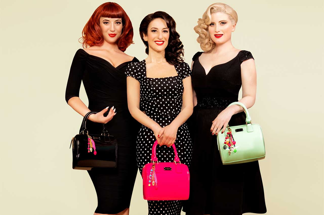 THE PUPPINI SISTERS HOLIDAY SONGS 1005