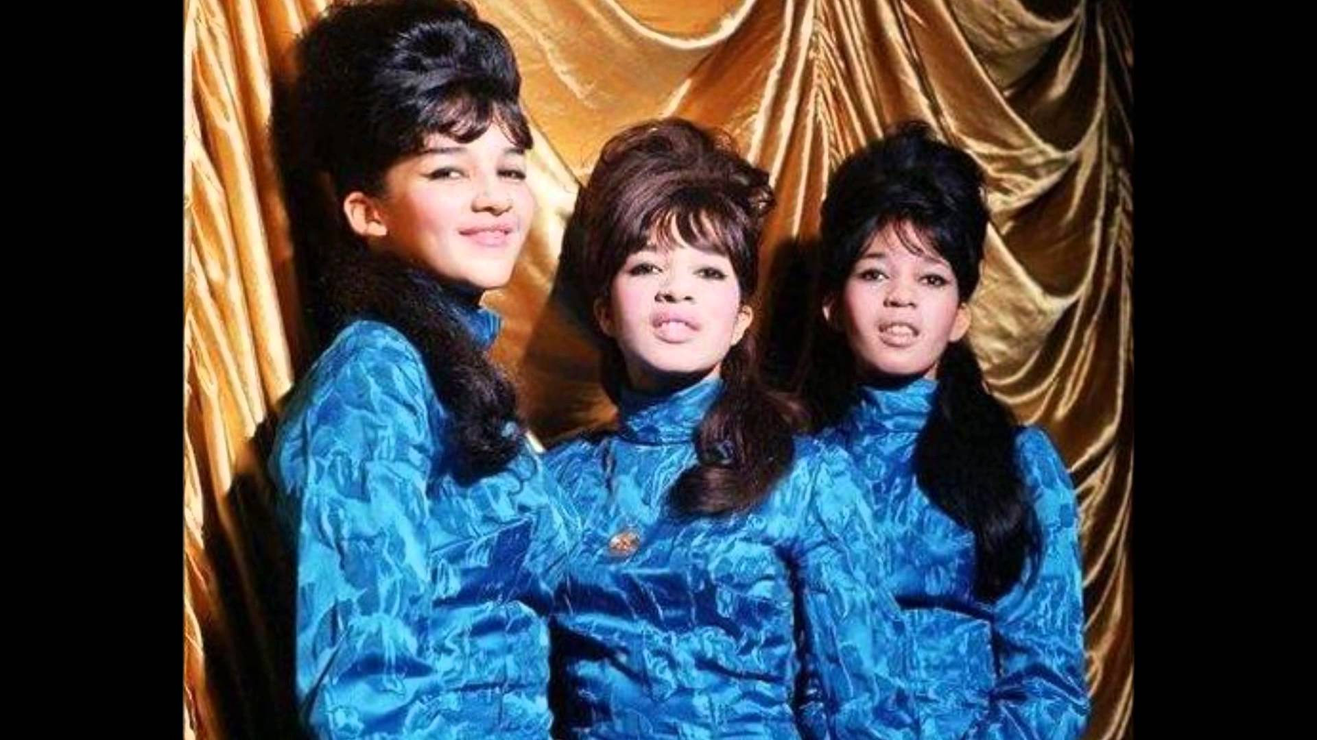 THE RONETTES HOLIDAY SONGS 1001