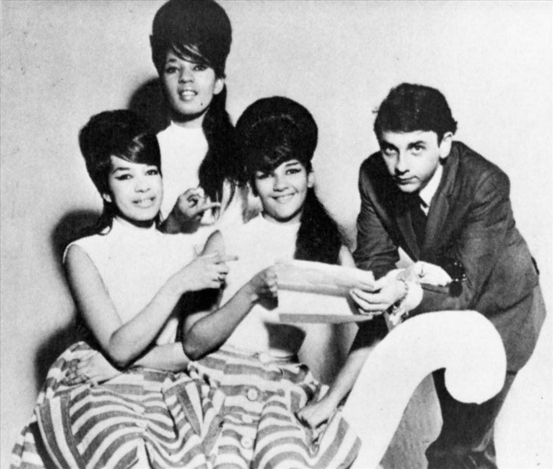 THE RONETTES HOLIDAY SONGS 1002