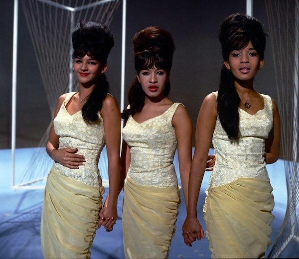 THE RONETTES HOLIDAY SONGS 1005