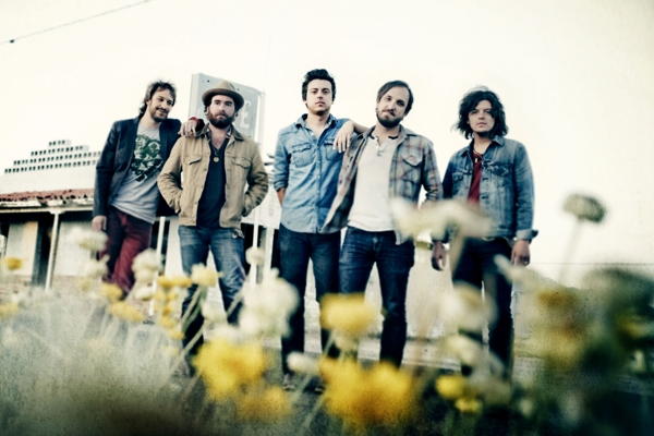 THE WILD FEATHERS 1000