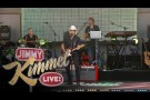 "Brad Paisley Performs ""Moonshine In the Trunk"""