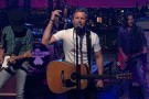 "David Letterman - Dierks Bentley: ""Drunk on a Plane"""